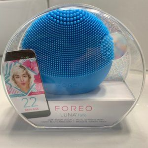 Foreo Luna fofo facial cleansing brush